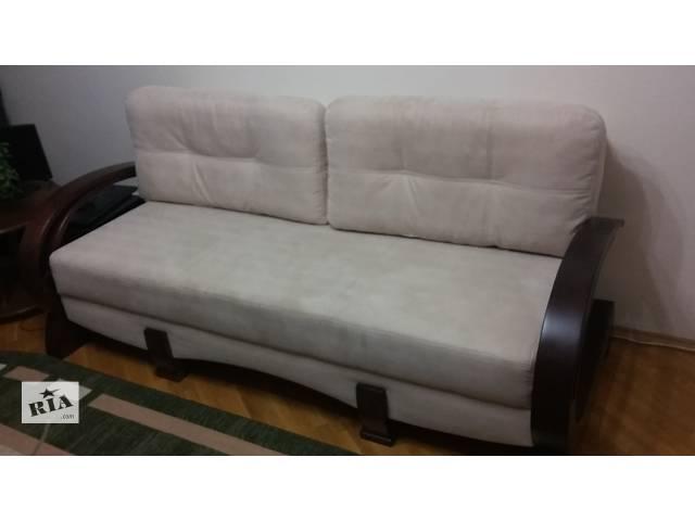 купить бу Продаю диван. состояние отличное. моющаяся ткань.цену снижено! в Киеве