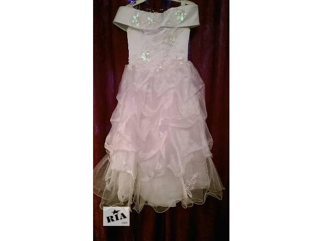 купить бу Продаю праздничное платье для девочки в прекрасном состоянии в Киеве