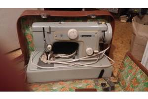 б/у Портативные швейные машинки