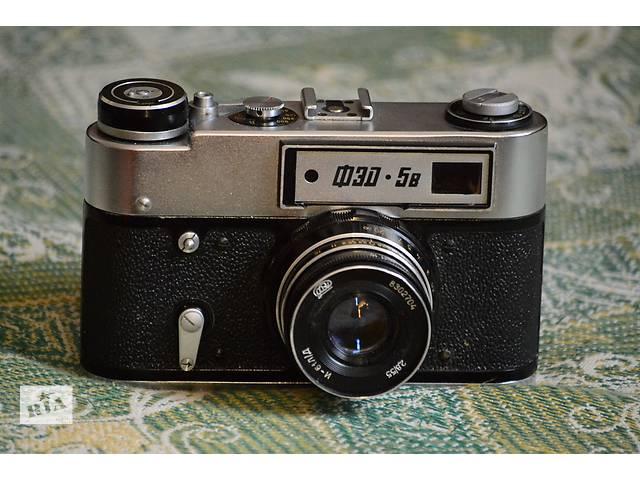 купить бу Продаю советский дальномерный фотоаппарат ФЭД-5 со вспышкой Фотон в Харькове