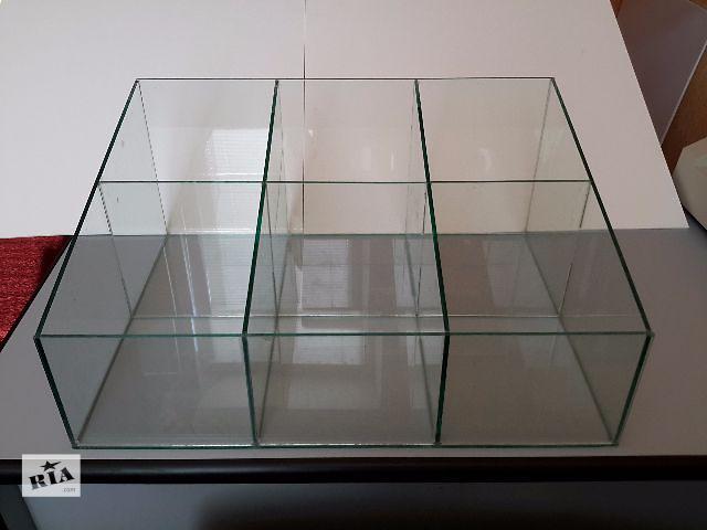 купить бу Прикассовый стеклянный куб, торговое оборудование, диспенсер, витрина. в Харькове