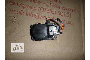 б/у Шаговый двигатель печки Renault Fluence