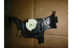 б/у Шаговый двигатель печки Seat Cordoba