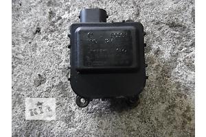 б/у Шаговый двигатель печки Skoda SuperB