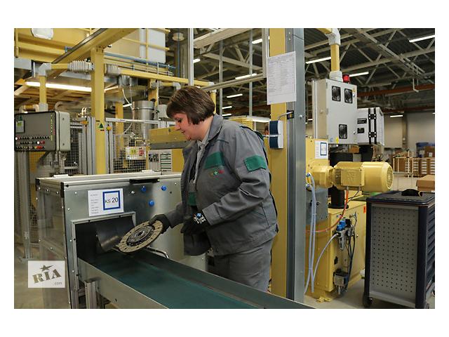 купить бу Рабочие в Польшу на завод по изготовлению автомобильных деталей.  в Украине