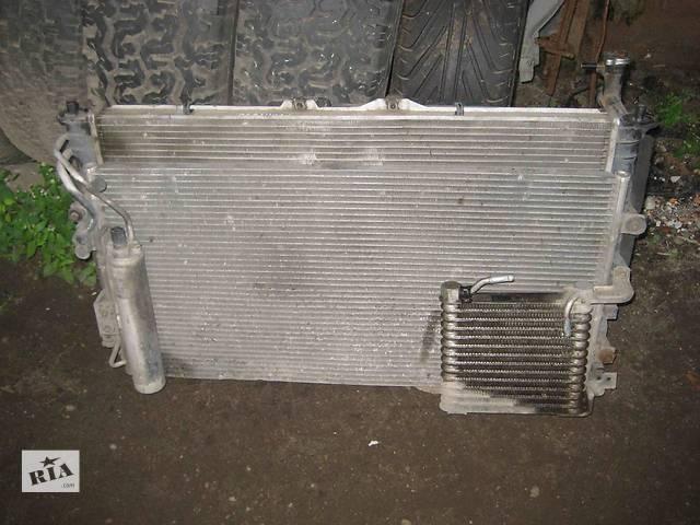 бу  Радиатор для легкового авто Kia Carnival в Львове