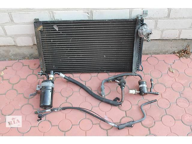 продам Радиатор кондиционера Ford Thunderbird 1997 бу в Ковеле