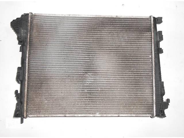 купить бу Радиатор охлаждения основной, радіатор основний 2.0 Nissan Primastar Ниссан Примастар Opel Vivaro Опель Виваро Renault в Ровно