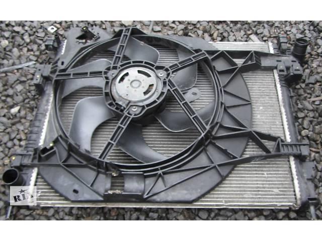купить бу Радиатор охлаждения основной, радіатор основний 2.5 Opel Vivaro Опель Виваро Renault Trafic Рено Трафик Nissan Primastar в Ровно