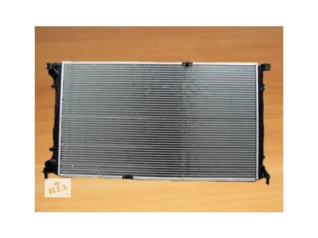 купить бу Радиатор охлаждения  VALEO  Франция  на  2.5dci ( 135 л.с. ) - RENAULT TRAFIC / OPEL VIVARO  в Луцке