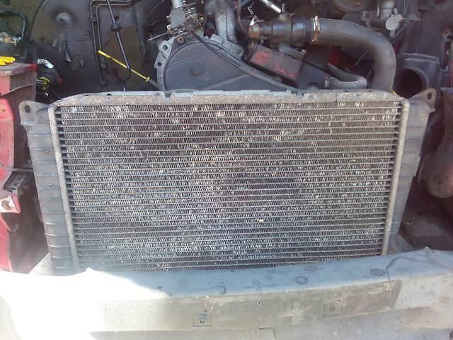 купить бу Радиатор основной Форд Транзит 2,5Д в хорошем состоянии в Виннице