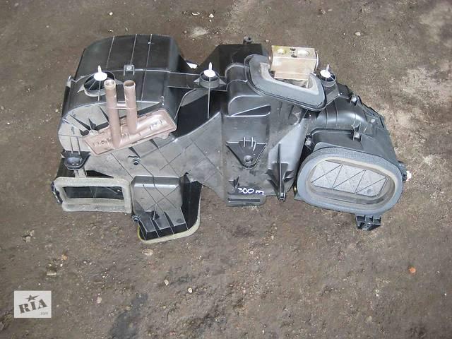 купить бу  Радиатор печки для легкового авто Chrysler 300 в Львове
