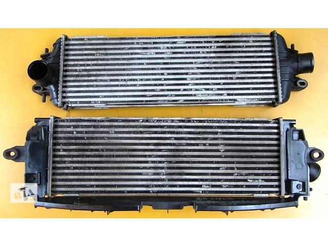 купить бу Радиатор интеркуллера, інтеркулера 2.0 Renault Trafic Рено Трафик Opel Vivaro Опель Виваро Nissan Primastar в Ровно