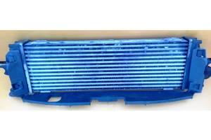 б/у Радиаторы интеркуллера Opel Vivaro груз.
