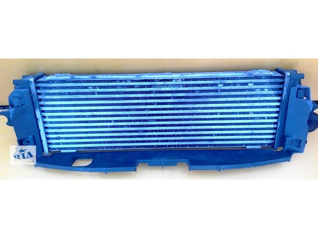 Радиатор интеркуллера, інтеркулера 2.5 Renault Trafic Рено Трафик Opel Vivaro Опель Виваро Nissan Primastar- объявление о продаже  в Ровно