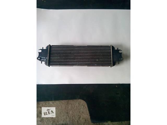 продам Радиатор интеркуллера на Renault Trafic, Opel Vivaro, Nissan Primastar бу в Ровно