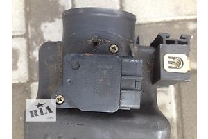 б/у Расходомер воздуха Toyota Avensis