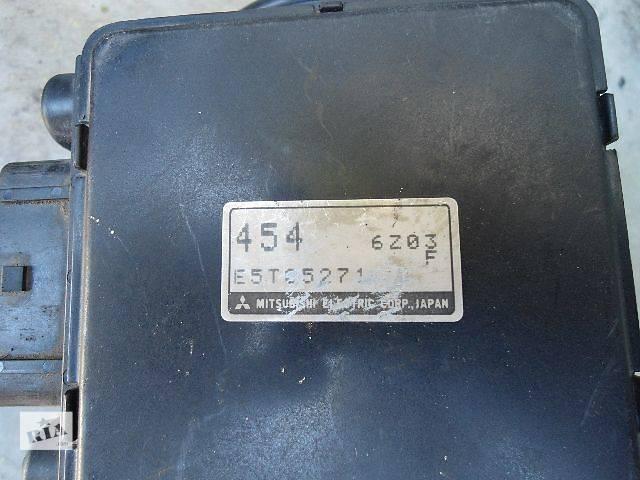купить бу Расходомер воздуха Легковой Mitsubishi Carisma 1.6, E5T05271 в Тернополе