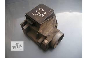 Расходомер воздуха Volkswagen Passat