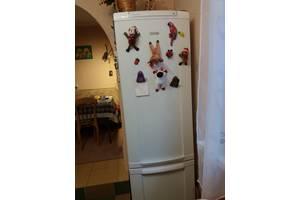 б/у Двухкамерные холодильники Electrolux