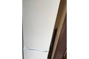 б/у Холодильники, газовые плиты, техника для кухни Atlant
