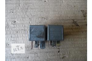 б/у Реле топливного насоса Skoda SuperB