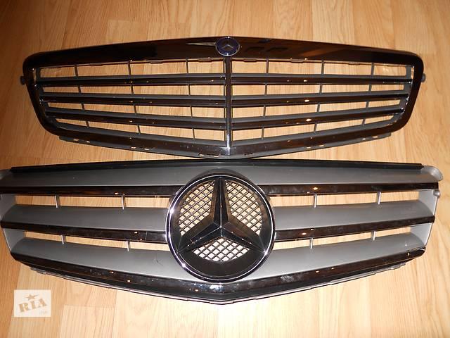 бу  Решётка бампера для легкового авто Mercedes C-Class  204 в Ровно