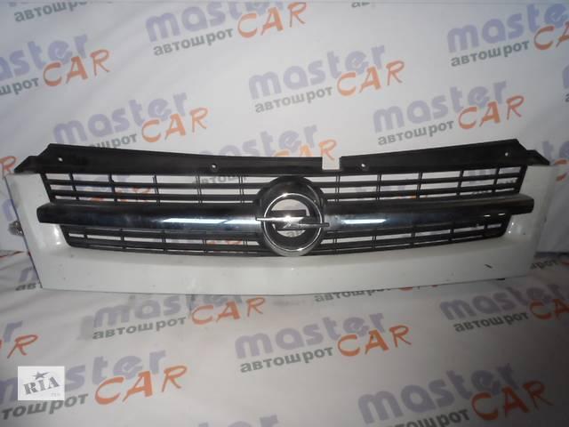 купить бу Решётка бампера для Opel Movano Опель Мовано 2003-2010 в Ровно