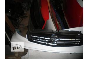 б/у Решётка бампера Opel Vivaro груз.