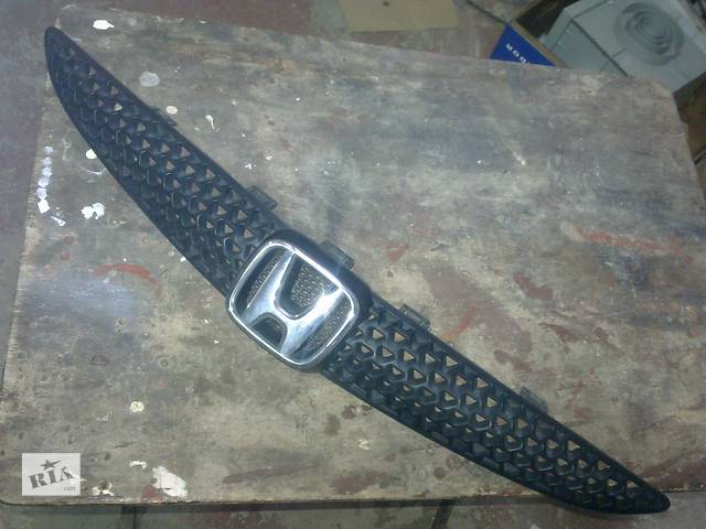 продам  Решётка радиатора для легкового авто Honda Jazz бу в Львове