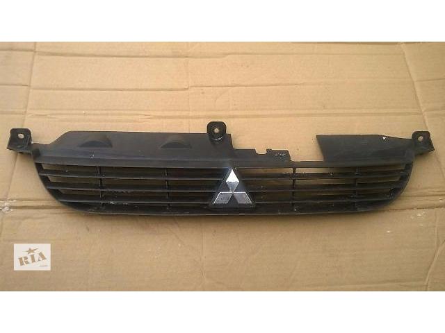 бу Решётка радиатора для легкового авто Mitsubishi Space Star в Тернополе