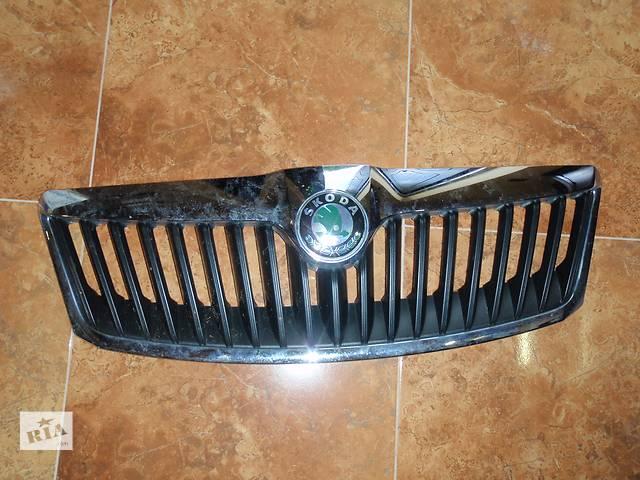 купить бу Решётка радиатора для Skoda Octavia A5 2010 в Львове