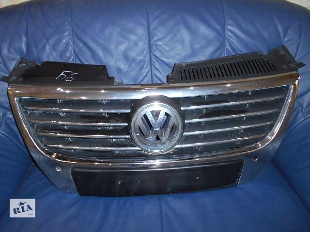 купить бу решётка радиатора для Volkswagen B6, 2006 в Львове