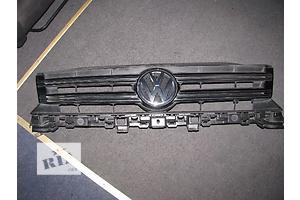 б/у Решітка радіатора Volkswagen Tiguan