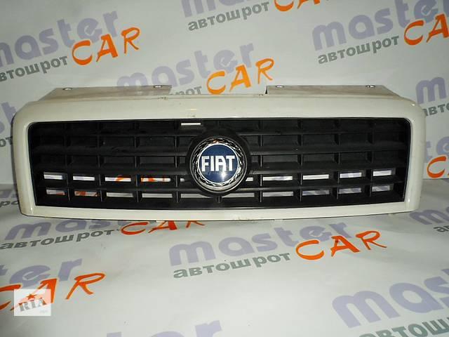 купить бу Решётка радиатора Fiat Doblo Фиат Добло 1.3 Multijet 2005-2009. в Ровно