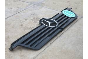 б/у Решётка радиатора Mercedes Atego