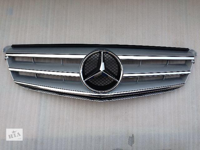 купить бу Решетка радиатора Mercedes-Benz C W204 новая в Луцке