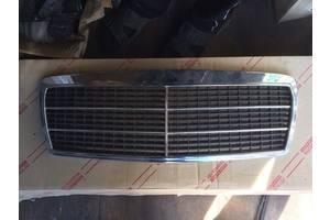 б/у Решётка радиатора Mercedes 210