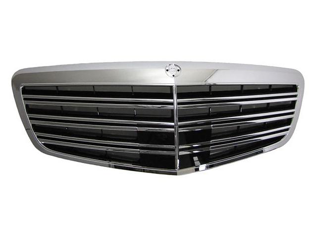 купить бу Решетка радиатора тюнинг рестайлинг Mercedes W221 стиль AMG в Луцке