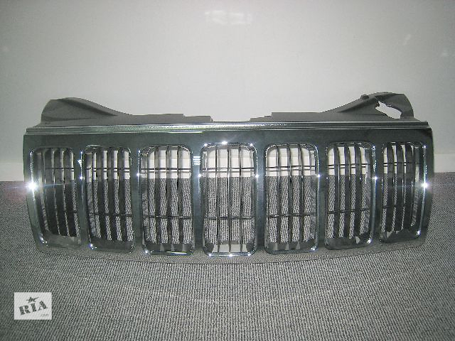 продам Решётка радиатора 55156814AE на Jeep Grand Cherokee ( Джип Гранд Чероки ) 2005-2010 года выпуска бу в Киеве