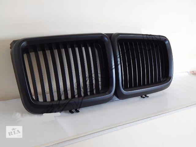 купить бу Решетка радиатора ноздри BMW E32 широкий капот GRBM032 БМВ Е32 в Луцке