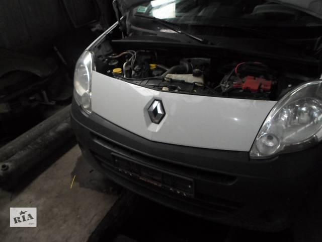 купить бу Решётка радиатора, подрешоточник Renault Kangoo Рено Кенго 2008г-2012г в Ровно