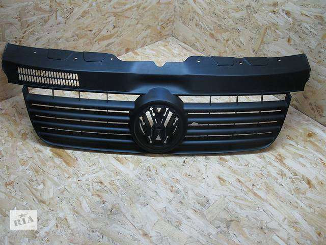 продам Решётка радиатора  Volkswagen T5  7H0807101  бу в Львове