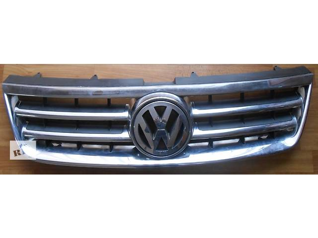 купить бу Решетка радиатора Volkswagen Touareg Фольксваген Туарег 2003г-2009г. в Ровно