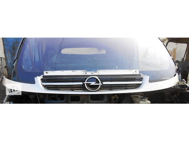 бу Решётка решетка радиатора улыбка Opel Vivaro Опель Виваро Renault Trafic Рено Трафик Nissan Primastar в Ровно