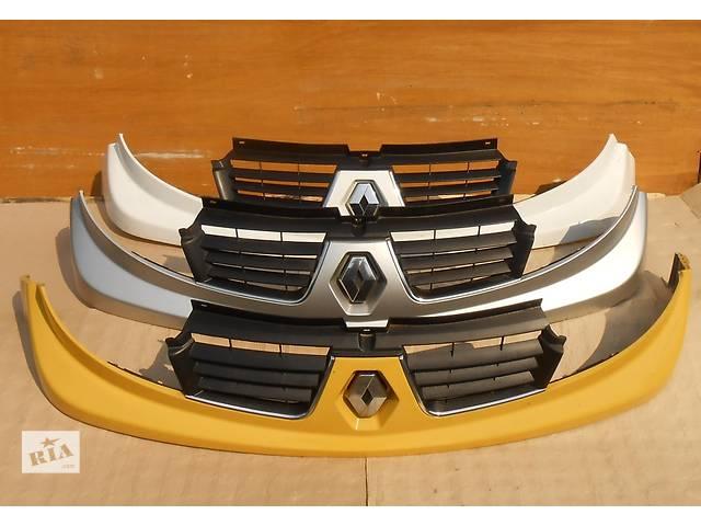 бу Решётка решетка радиатора улыбка Renault Trafic Рено Трафик Opel Vivaro Опель Виваро Nissan Primastar в Ровно