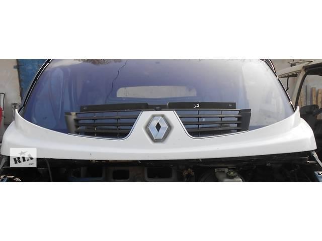 продам Решётка решетка радиатора улыбка Renault Trafic Рено Трафик Opel Vivaro Опель Виваро Nissan Primastar бу в Ровно