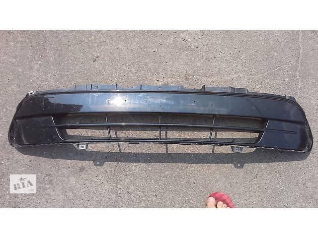 продам Решетка в бампер центральная Kia Sorento Киа Сорента 86560c5010 бу в Киеве