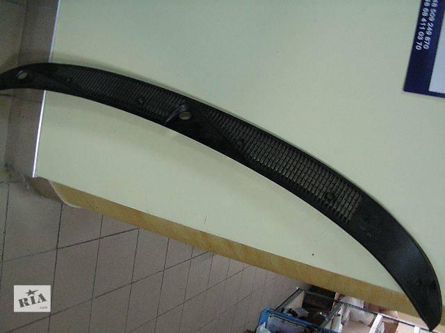 Решетка верхней части капота / Панель стеклоочистителя Ford Escort 95-01 1207451- объявление о продаже  в Ровно