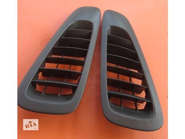 продам Решётка воздухозаборника Mercedes Vito (Viano) Мерседес Вито (Виано) V639 (109, 111, 115) бу в Ровно